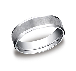 This Palladium 6mm comfort-fit satin-finished carved design band features a high polished beveled edge for a perfect balance of style and class.