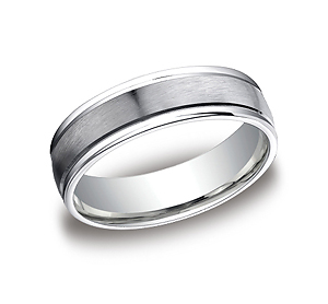 This popular 6mm comfort-fit carved design band features a satin-finished with a high polished round edge for noticeable style.