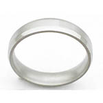 5MM BEVELED TITANIUM BAND IN A SATIN FINISH.