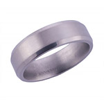 6MM BEVELED TITANIUM BAND WITH A SATIN FINISH.