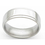 7MM FLAT TITANIUM BAND WITH GROOVED EDGES IN A POLISH FINISH.